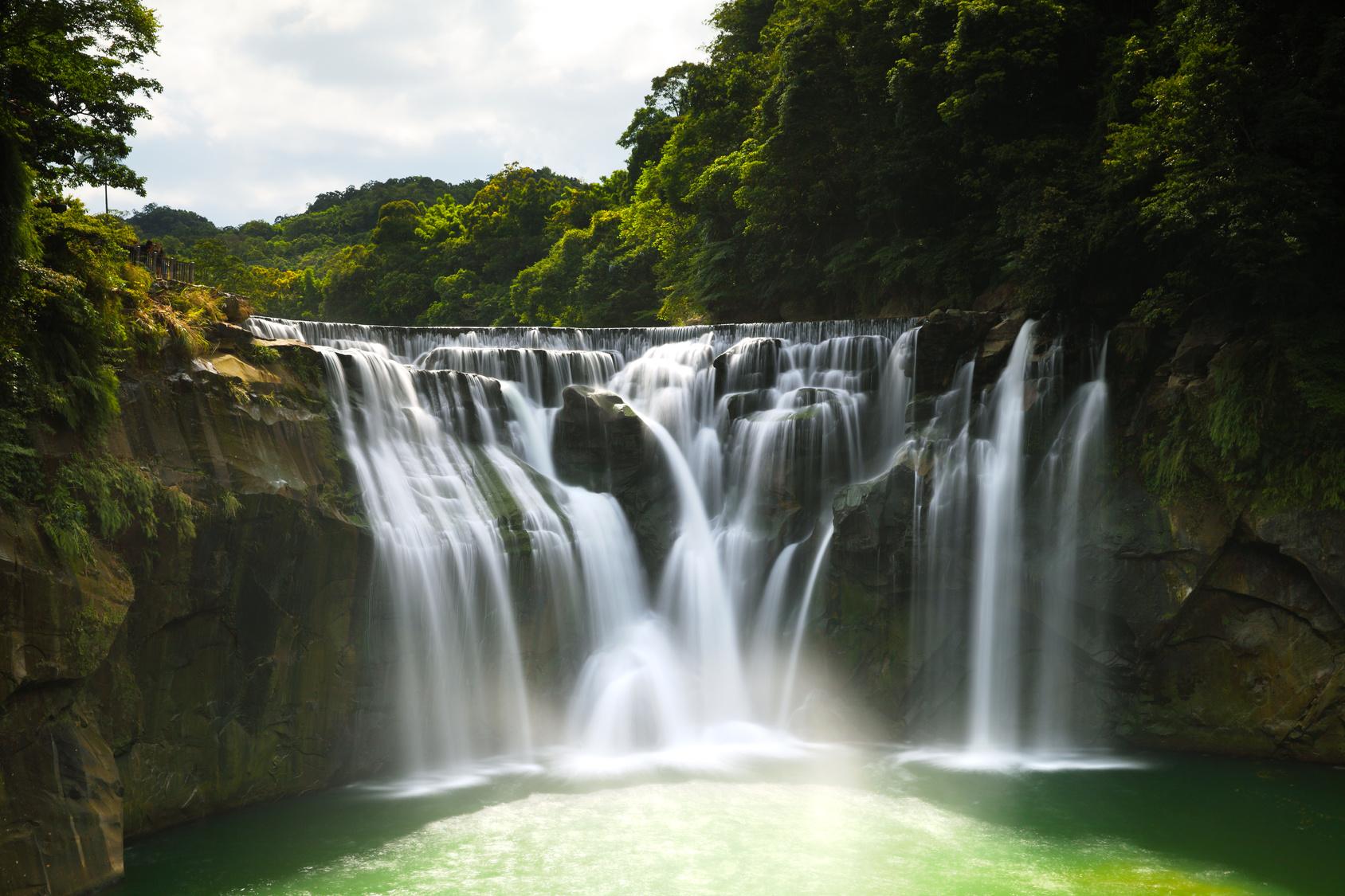 Cascade de Shifen à Taipei que vous pourrez admirer lors de votre PVT Taiwan