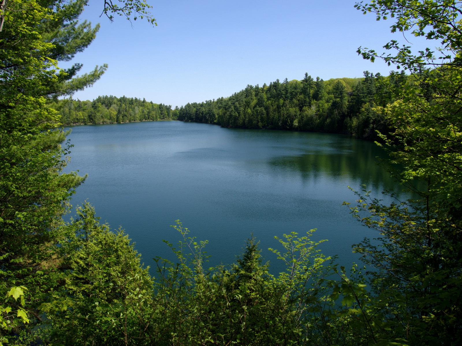 lac pink au canada