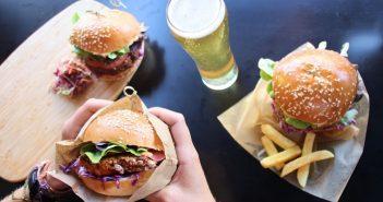 burger dans un restaurant a melbourne