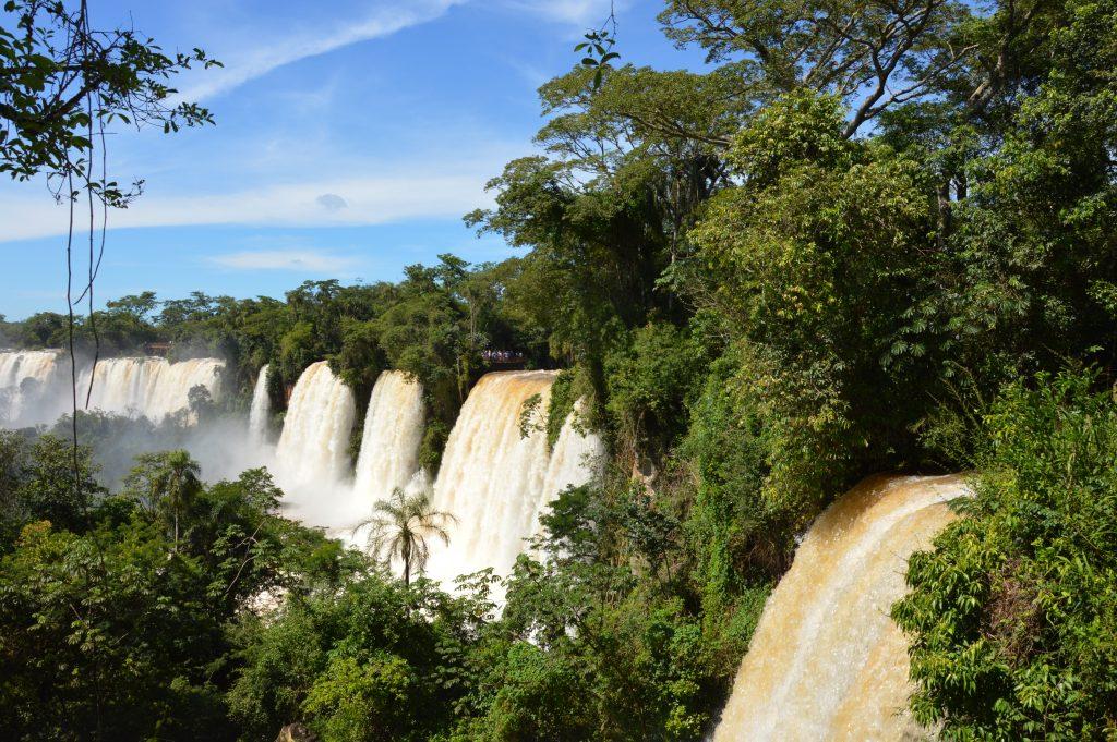 argentine   comment se baigner aux chutes d u0026 39 iguazu