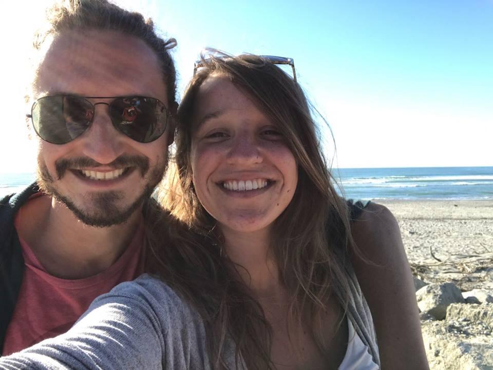 mathilde et victor sur les plages de nouvelle zelande