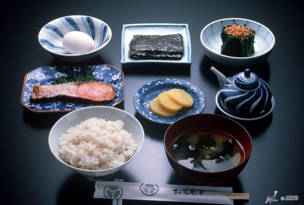 les us et coutumes japonaises à table