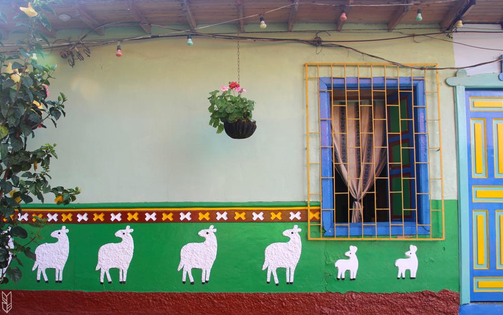 le village de Guatape en Colombie