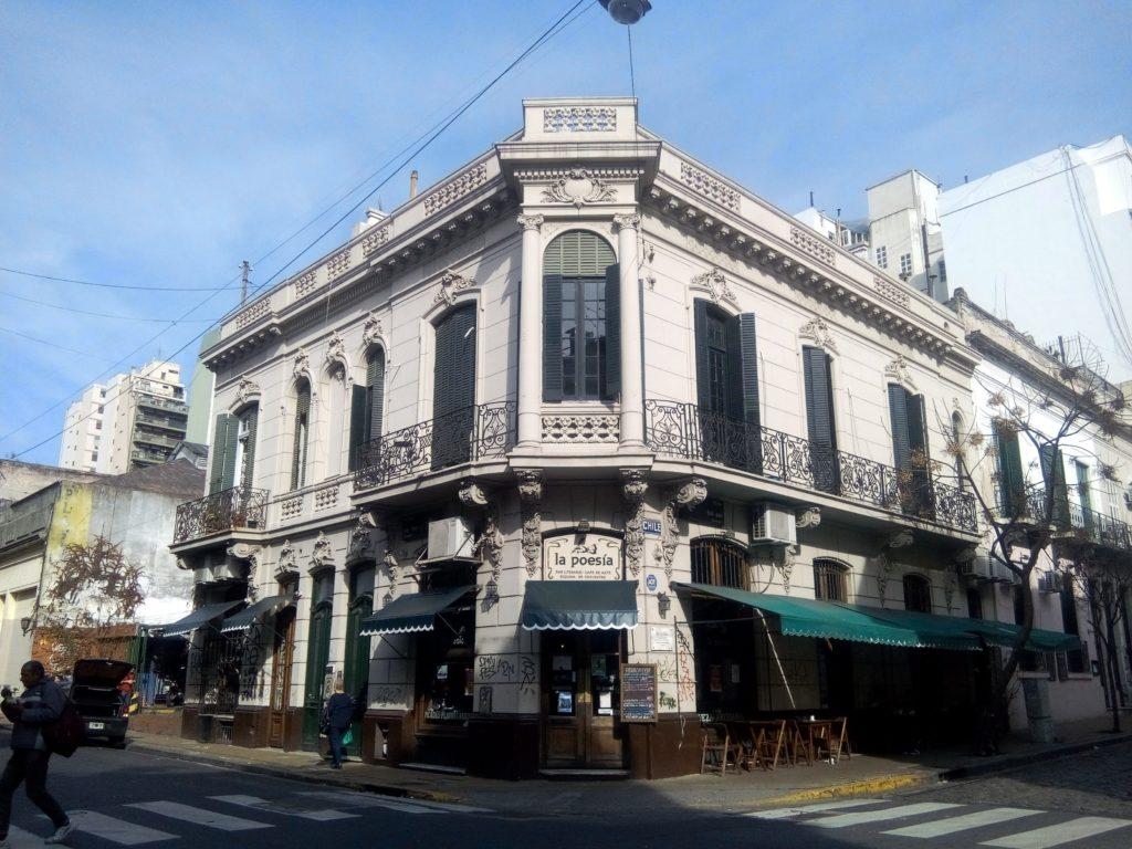 La Poesia dans le quartier San Telmo a Buenos Aires