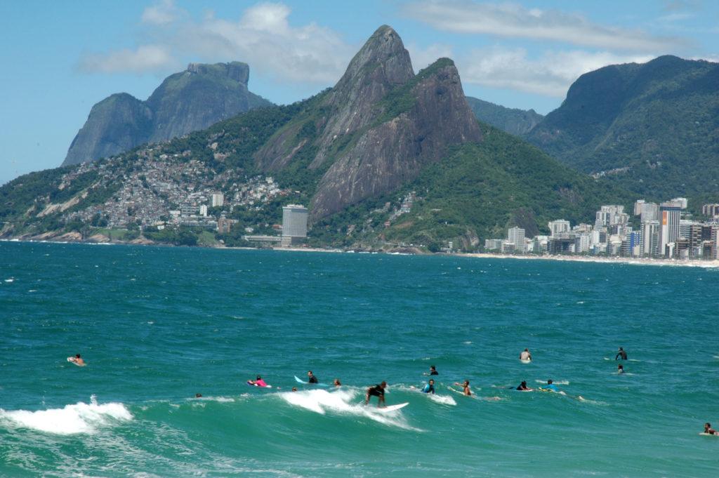 surf au Bresil : quelle assurance voyage contre les blessures ?