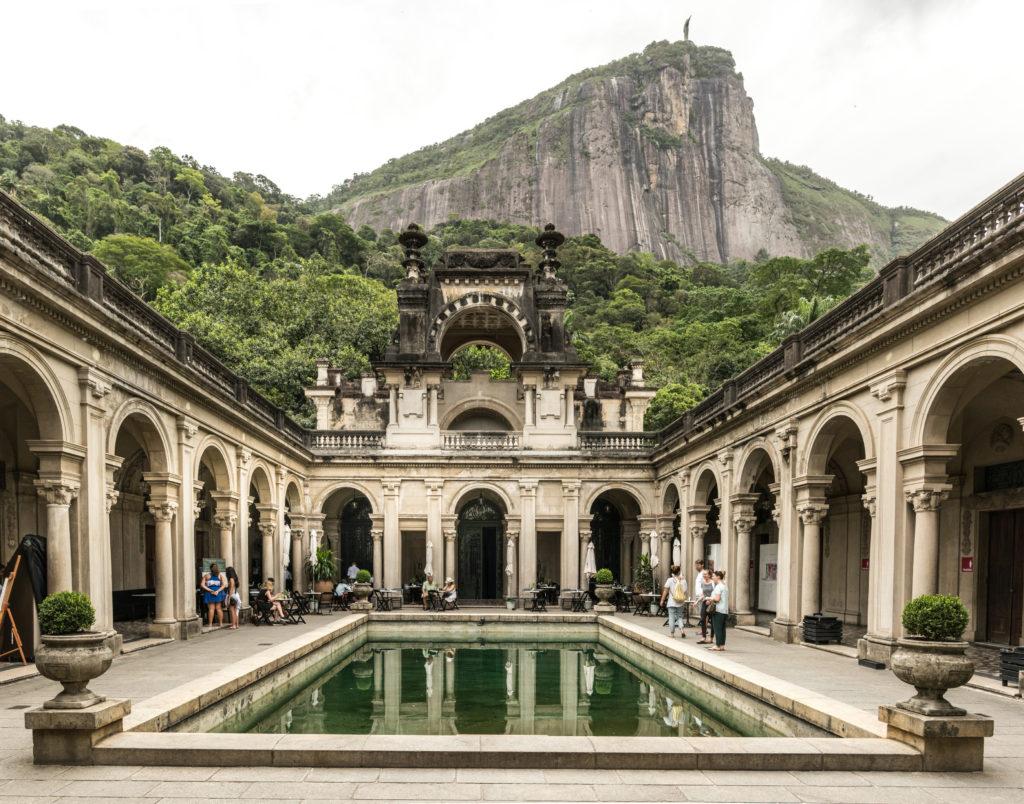 palais dans le Parc Lage avec vue sur le Corcovado
